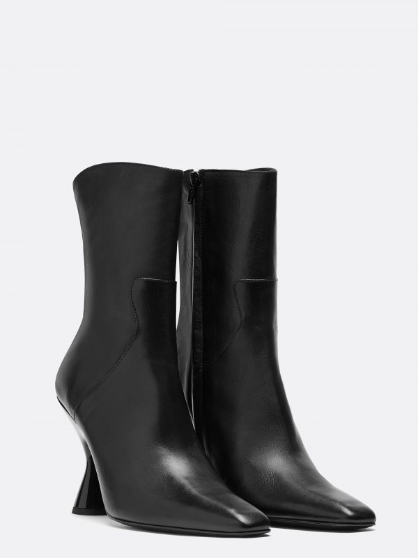 Stainless Ankle Boot Black Leather